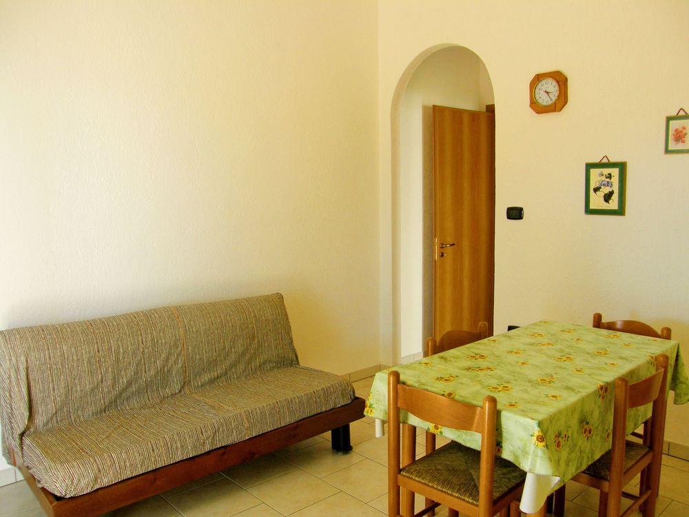 Torre pali appartamento per le vacanze vicino al mare e ai negozi 3 posti letto - Culla vicino al letto ...