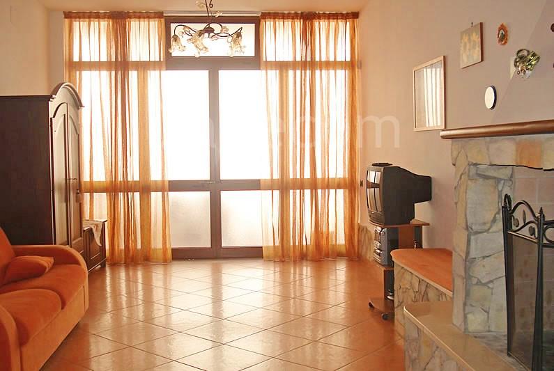 Gallipoli appartamento seminterrato nel centro di for Appartamento di efficienza seminterrato