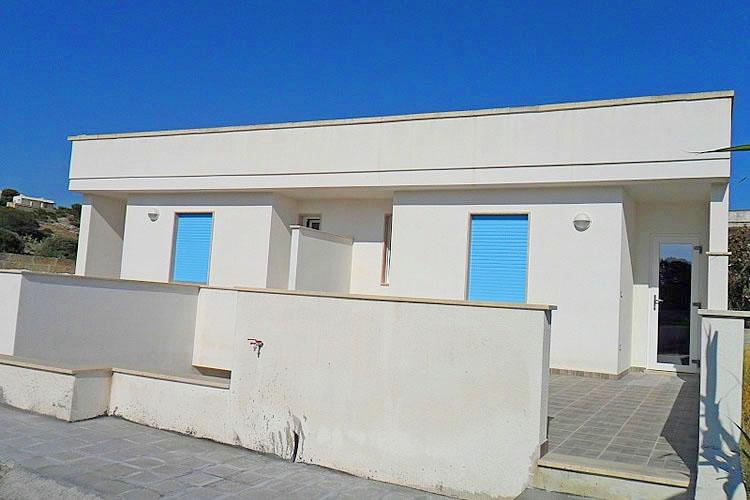 Pescoluse villetta di nuova costruzione a 100 m dalla for Nuova costruzione casa 2 camere da letto